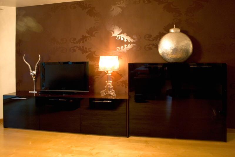 Referenzbild oliver brato wohnzimmer medienwand for Wohnzimmer bilder glas