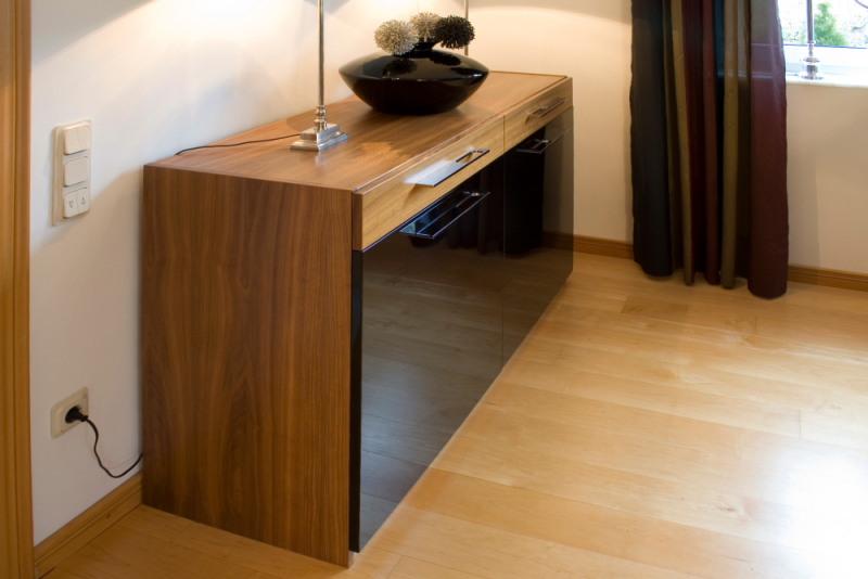 referenzbild oliver brato wohnzimmer sideboard. Black Bedroom Furniture Sets. Home Design Ideas